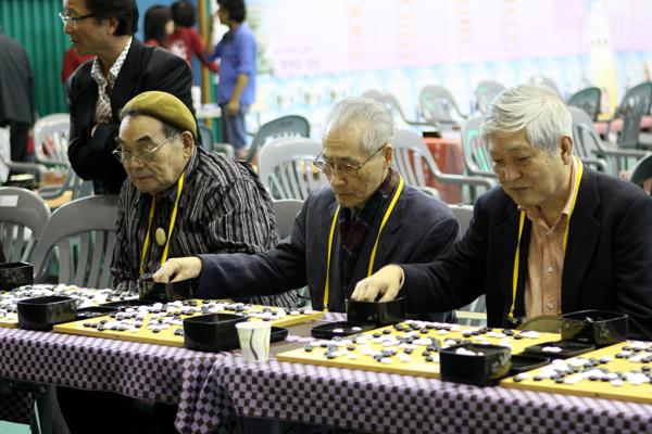 Японские игроки на турнире ветеранов