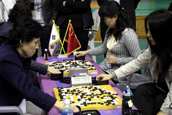 Корейские и китайские игроки на турнире ветеранов