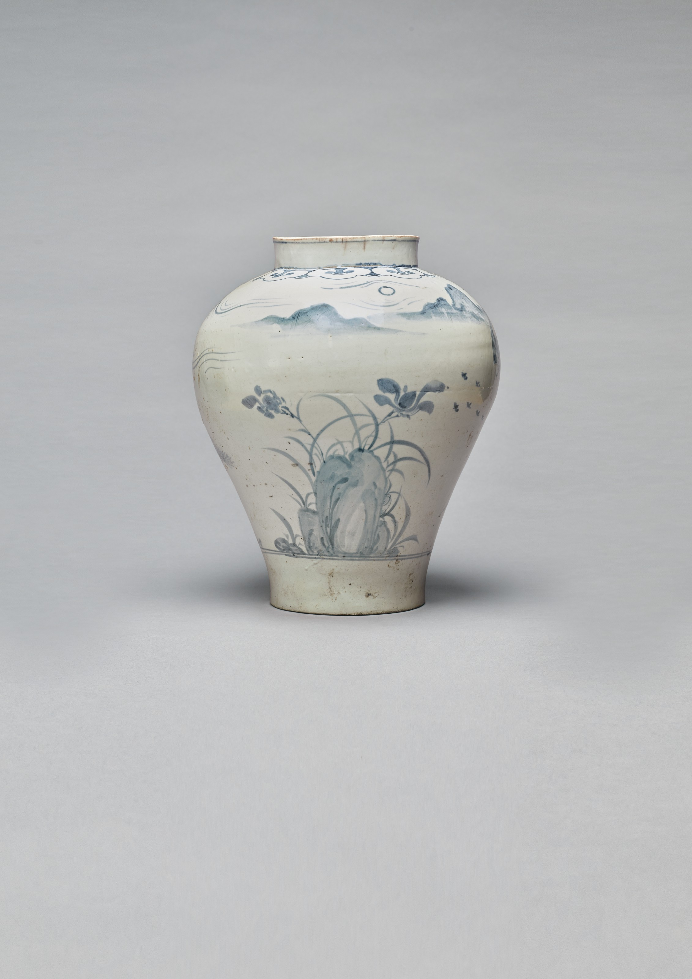 2020_NYR_19017_0251_001(a_blue_and_white_porcelain_jar_with_three_worthies_playing_weiqi_joseo035243)